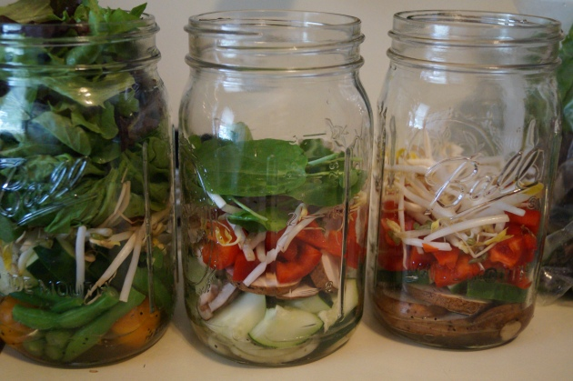 Making salad in a jar