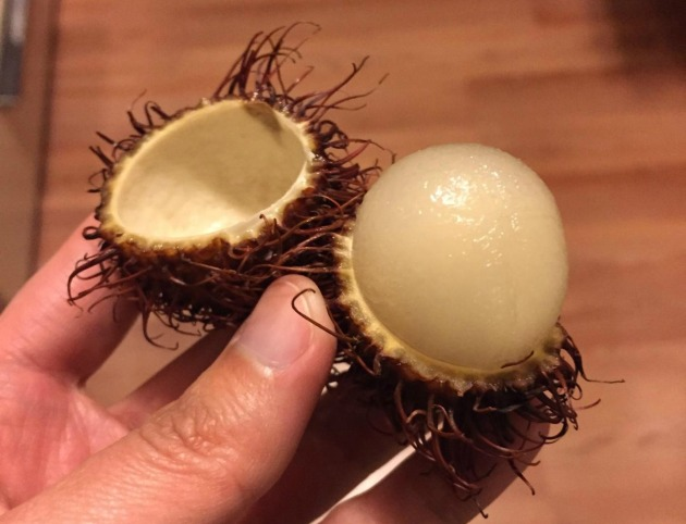 Peeled rambutan fruit